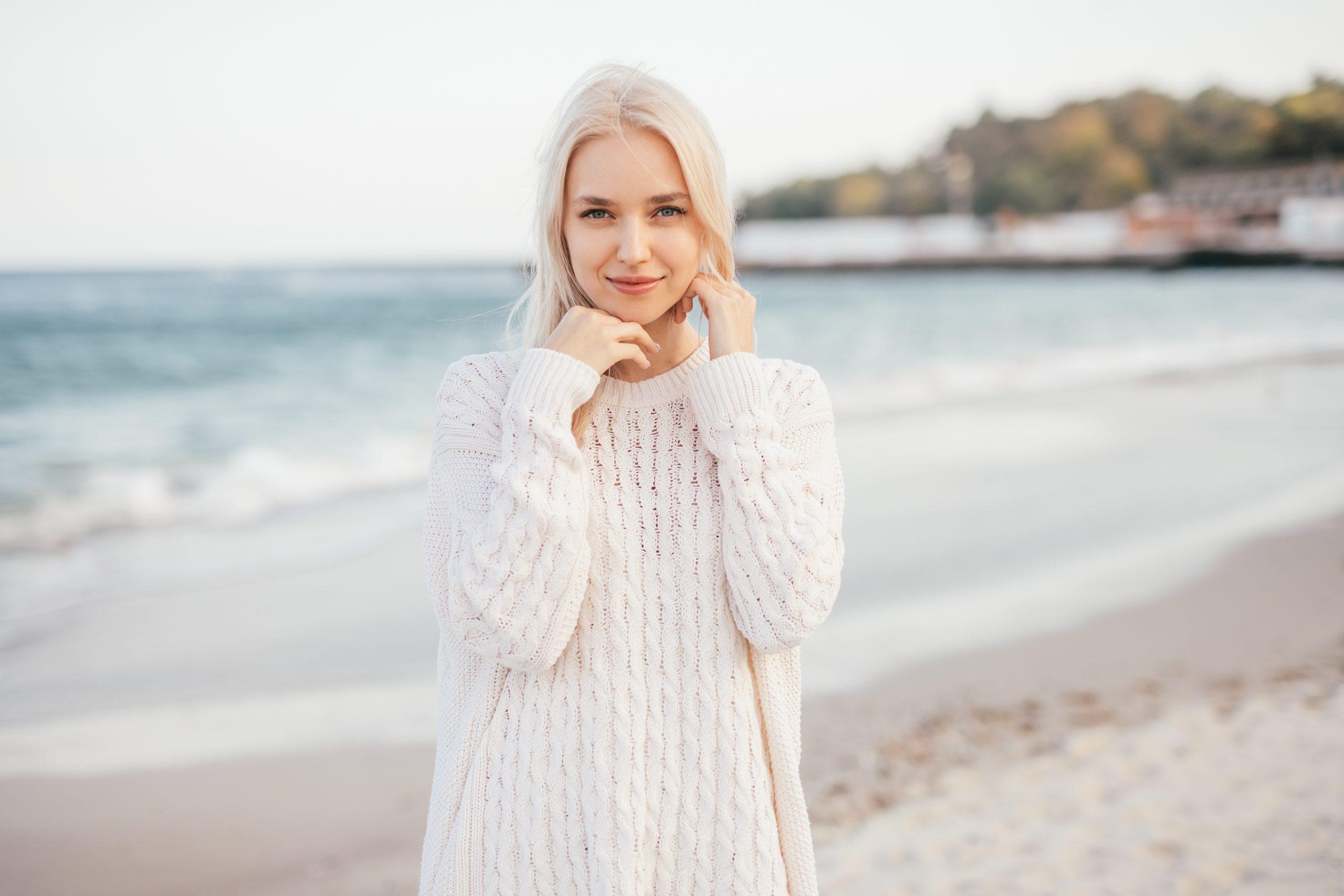 Belle femme moldave blonde